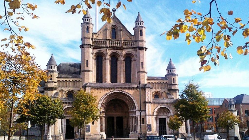 avrupa rüyası belfast aziz anne katedrali