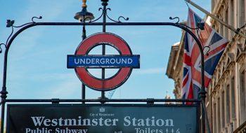 V for Vendetta Filmi Eşliğinde Londra Turu