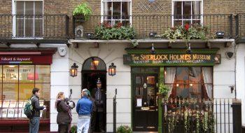 Sherlock Holmes'ün Hikayesi ve 221B Baker Sokağındaki Evi